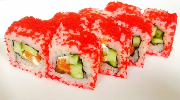 Купить роллы и суши. Купить роллы Калифорния с лососем