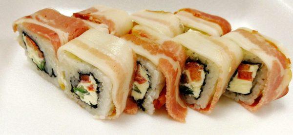 Купить роллы и суши. Купить Мясной ролл